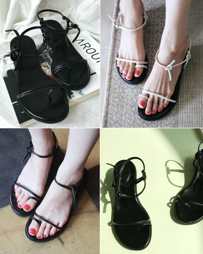 Sau đan dây, xu hướng sandals đang chuyển hướng sang kiểu thắt nút lạ đời - Ảnh 4.