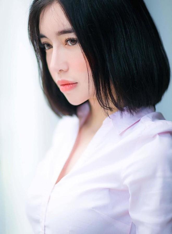 Ngọc Trinh - Elly Trần khởi xướng hai kiểu tóc ngắn nhìn một cái là mê ngay - Ảnh 7.