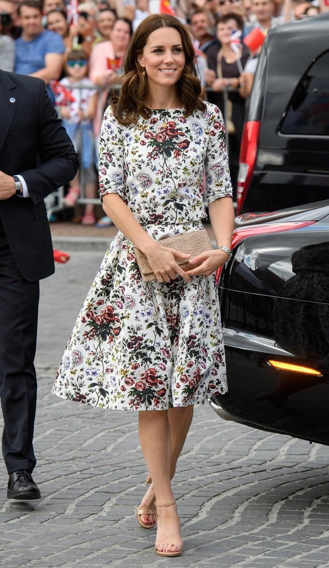 4 biểu tượng hoàng gia sở hữu gu thời trang đẹp xuất sắc khiến ai cũng trầm trồ mỗi khi xuất hiện - Ảnh 2.