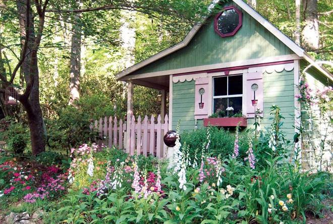 Những ngôi nhà nhỏ trong vườn khiến bạn như được lạc vào thế giới cổ tích - Ảnh 2.