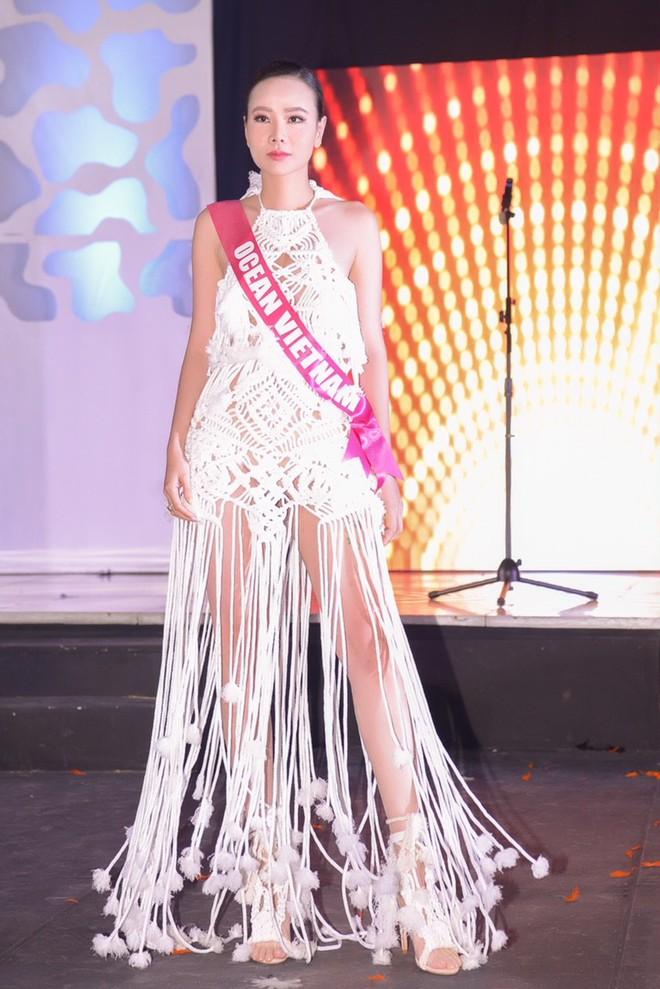 Dương Yến Ngọc bất ngờ nhận 2 giải thưởng tại Hoa hậu quý bà 2017 - ảnh 2