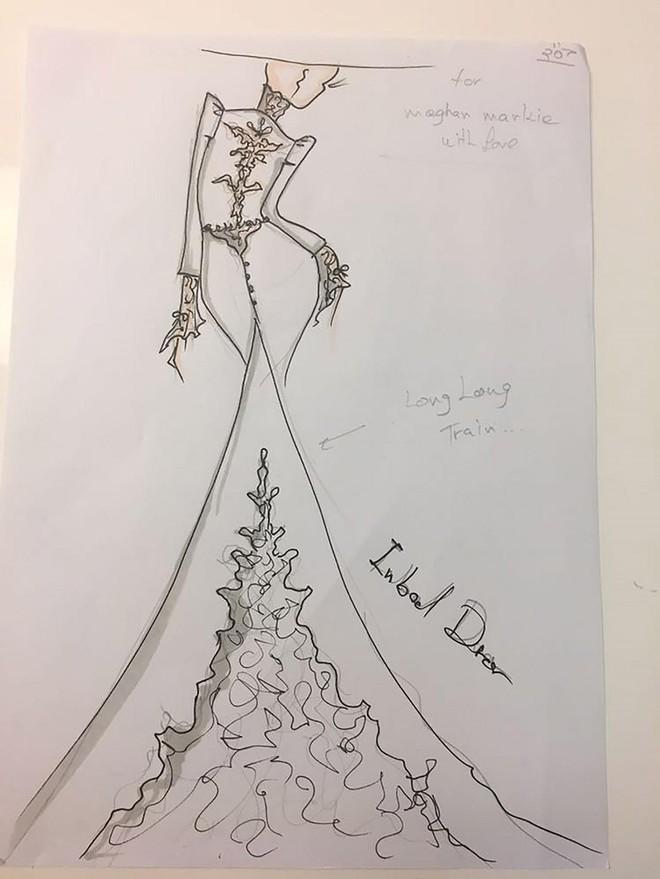 Hé lộ 3 bản phác thảo váy cưới của hôn thê Hoàng tử Harry sẽ mặc tại lễ cưới Hoàng gia - Ảnh 5.