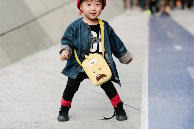Ai là nhân vật đứng phía sau những nhóc tỳ sành điệu tại Tuần lễ thời trang Seoul - Ảnh 12.
