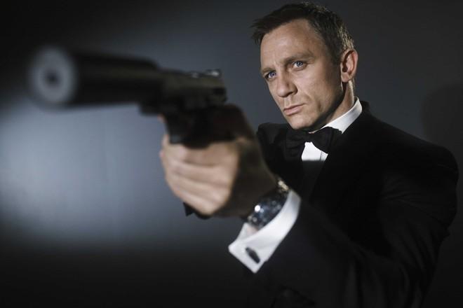Điệp viên 007 Daniel Craig gây sốc với vai diễn gã tù bá đạo - Ảnh 1.