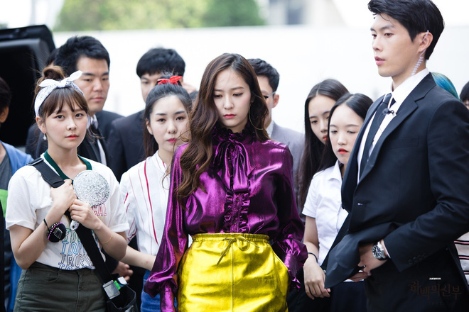 Đây là những nhân vật có gu thời trang ấn tượng nhất phim Hàn trong năm 2017  - Ảnh 10.
