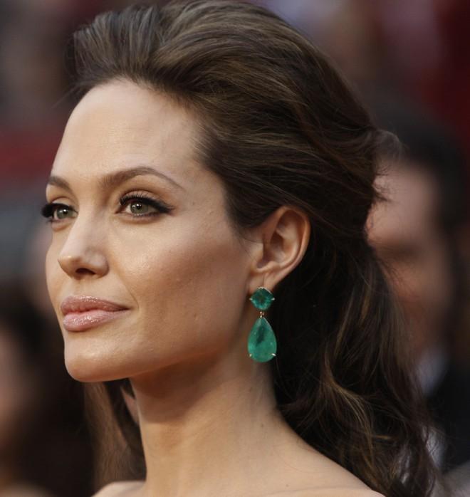Sự thật bất ngờ về những món trang sức của Audrey Hepburn, công nương Diana hay Kate Middleton  - Ảnh 20.