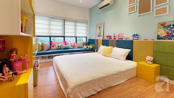 Ngắm căn hộ 114m² hình bán nguyệt, chỉ cách trung tâm Sài Gòn 5 phút đi xe của vợ chồng 8x - Ảnh 9.