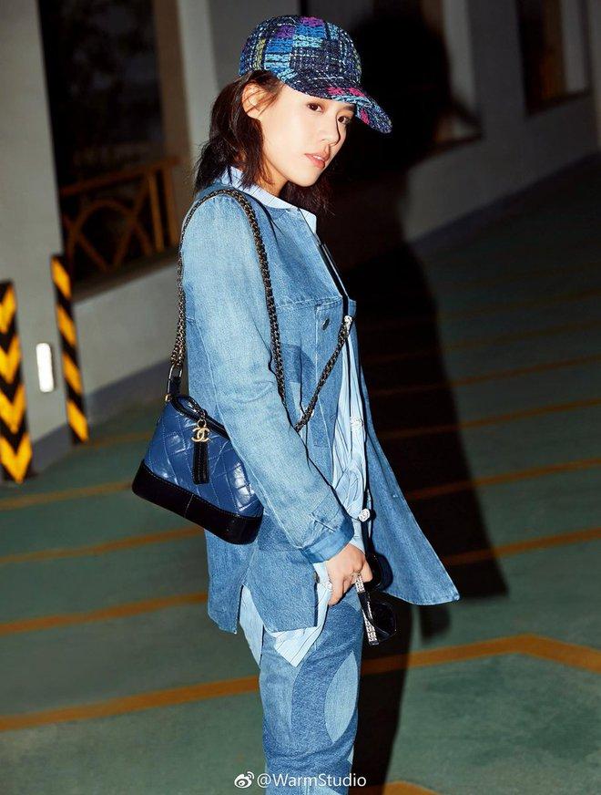 Túi mới của Chanel: Chưa ra mắt được bao lâu đã làm mưa làm gió tủ đồ của loạt sao Hoa ngữ - Ảnh 21.