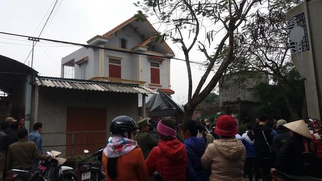 Hàng nghìn người tiễn đưa 3 mẹ con bị chồng sát hại trong đêm ở Thanh Hóa - Ảnh 3.