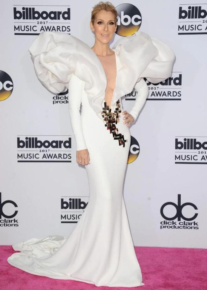 Cận kề tuổi 50 Diva Céline Dion mới lột xác phong cách khiến giới mộ điệu toàn cầu kiêng nể - Ảnh 2.