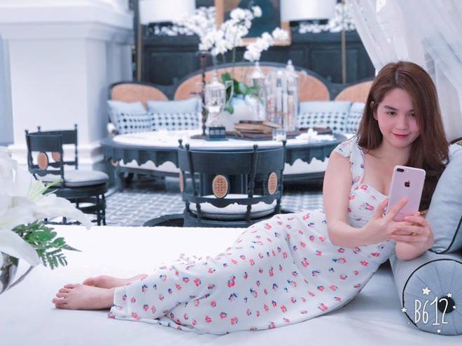 Ngọc Trinh - Linh Chi: chị em thân đến nỗi còn thường xuyên mặc váy áo của nhau - Ảnh 3.