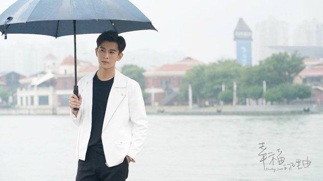 Ngây ngất với cảnh ông chú U40 Chung Hán Lương chơi đàn điệu nghệ - Ảnh 7.