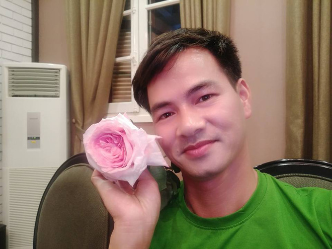 Soi nhất cử nhất động của sao Việt (11/8) - Ảnh 8.