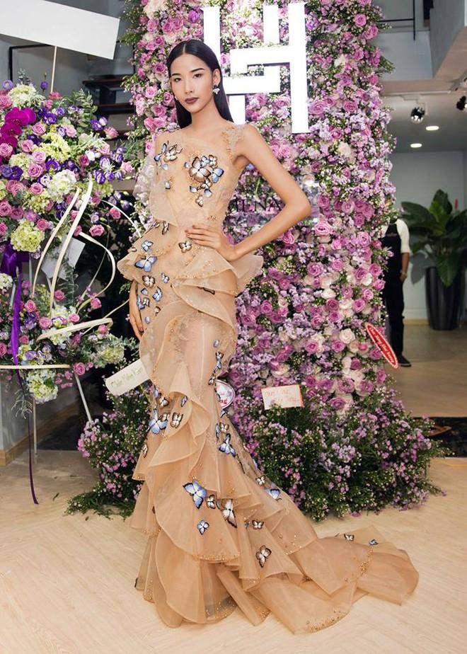 Lần đầu tiên thấy Hoàng Thùy diện váy hoa điệu đà và trang điểm nhẹ nhàng nữ tính thế này - Ảnh 4.