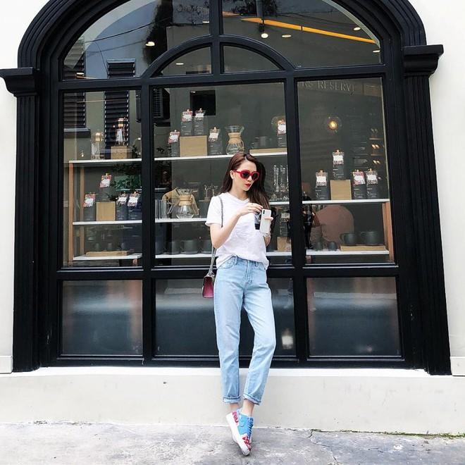 Thu Thủy khoe street style trẻ trung, Kỳ Duyên khác lạ với đôi chân nhìn như dài cả mét - Ảnh 20.