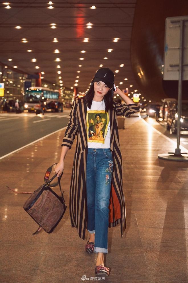 Cứ sang thu là 5 mẫu áo khoác quen thuộc này lại được loạt người đẹp Hoa ngữ lăng xê nhiệt tình - Ảnh 21.