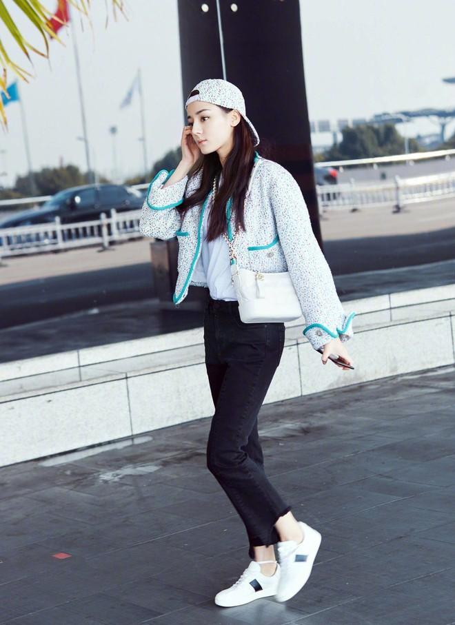 Túi mới của Chanel: Chưa ra mắt được bao lâu đã làm mưa làm gió tủ đồ của loạt sao Hoa ngữ - Ảnh 22.