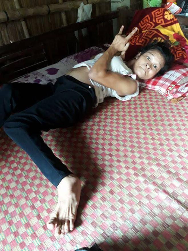 Xót cảnh người mẹ điên ú ớ chăm con gái 10 ngày tuổi không biết mặt bố là ai vì bị hiếp dâm - Ảnh 11.