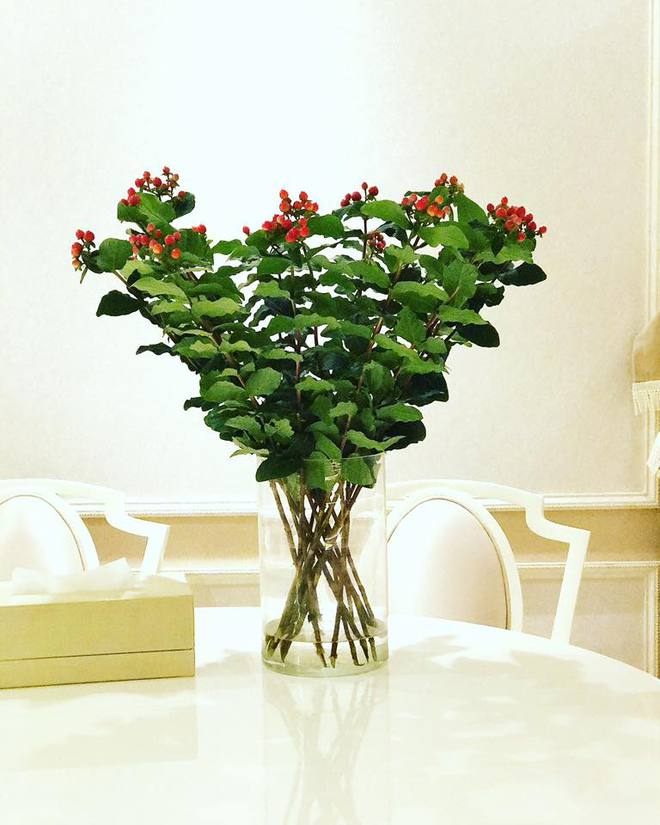 Ngắm căn hộ góc nào cũng lãng mạn và ngọt ngào với hoa tươi của hoa hậu Phạm Hương - Ảnh 12.