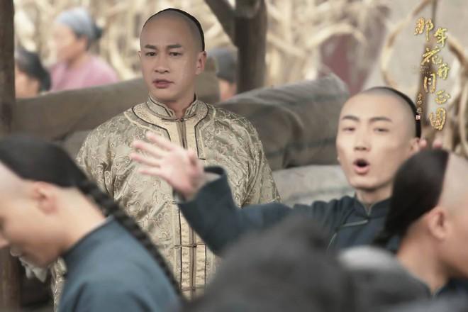 Vừa tung tin Hà Nhuận Đông chết giữa phim, fan đòi đốt nhà biên kịch Năm ấy hoa nở - Ảnh 5.