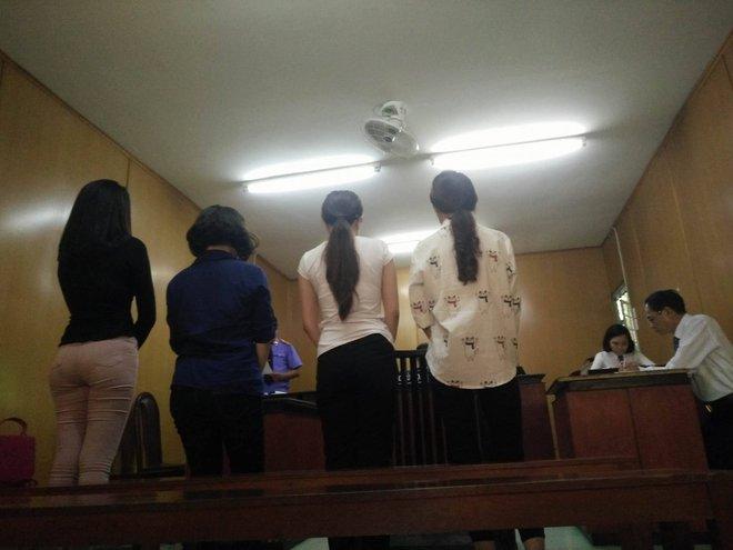 4 tú bà trong đường dây môi giới mại dâm 500 USD do ca sĩ, hoa hậu điều hành lãnh án 3 năm tù - Ảnh 1.