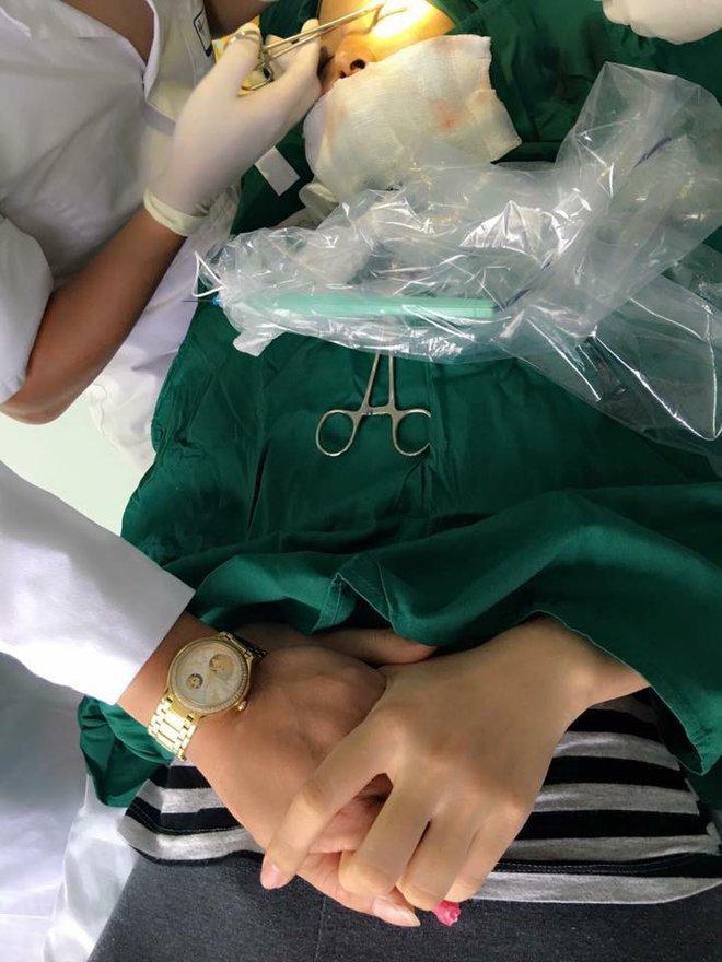 Bị bạn chồng chê xấu, mẹ trẻ Hà Nội chịu đau đớn phẫu thuật thẩm mỹ 9 lần để tự tin sánh vai bên chồng - Ảnh 5.