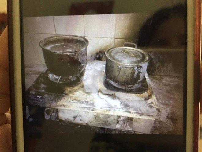 Bật đèn khi có mùi gas, 3 bác cháu bị bỏng nặng, gia đình phải trốn viện vì không có tiền điều trị - Ảnh 8.