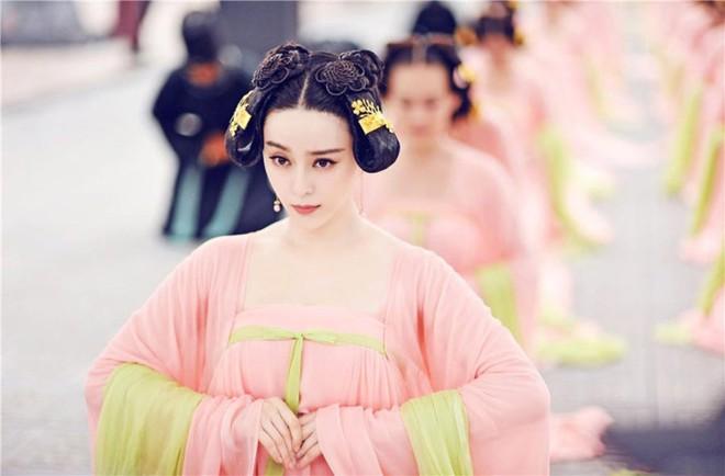Triệu Phi Yến: Từ kỹ nữ lên làm Hoàng hậu Trung Hoa, ngang nhiên ngoại tình cùng cả dàn trai trẻ - Ảnh 5.