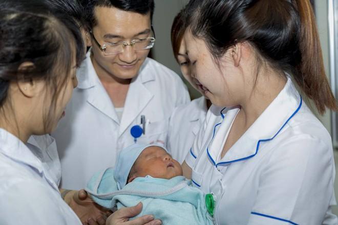 Nỗi trăn trở của GS Nguyễn Anh Trí khi về hưu: Mẹ của bé trai bị bỏ rơi vẫn chưa quay lại nhận con - ảnh 4