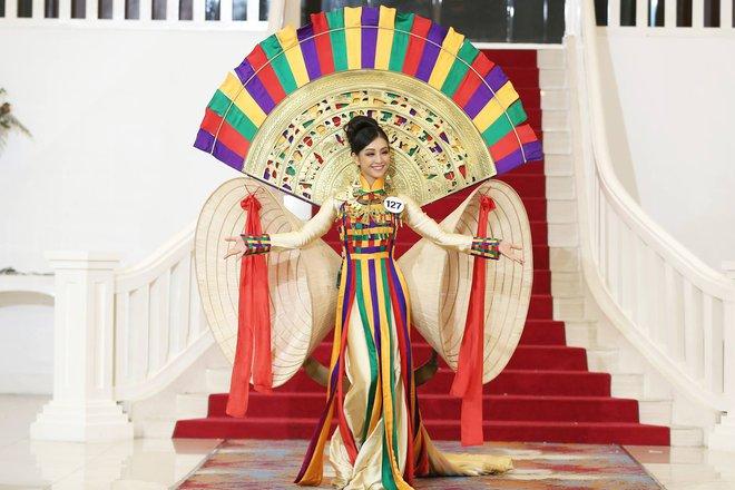 Võ Hoàng Yến kêu trời, Phạm Hương tức giận vì Mai Ngô quá vô kỷ luật - Ảnh 13.