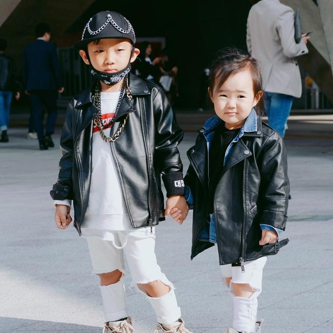 Đến tuần lễ thời trang Seoul, bạn sẽ chết mê với loạt street style chất lừ của các nhóc tì - Ảnh 4.