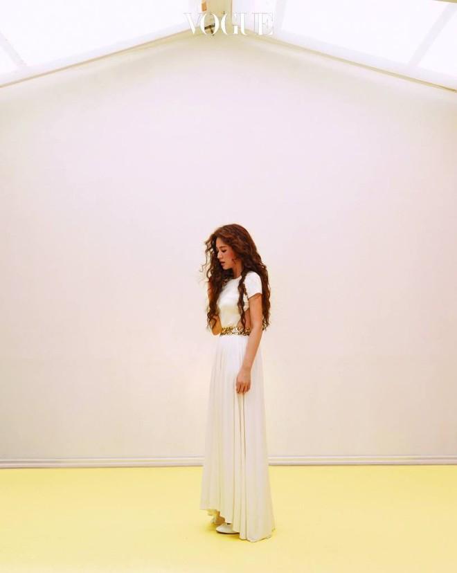 Ngắm trọn bộ ảnh Song Hye Kyo đẹp mơ màng như nữ thần lạc lối - Ảnh 15.