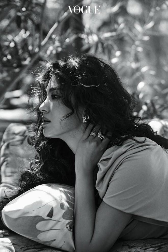 Ngắm trọn bộ ảnh Song Hye Kyo đẹp mơ màng như nữ thần lạc lối - Ảnh 13.