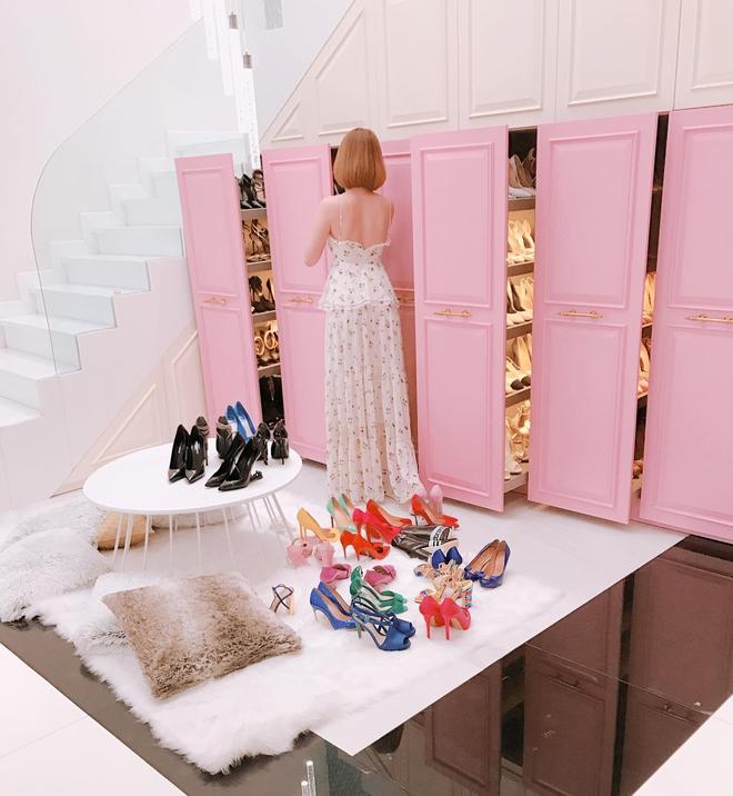 Ngọc Trinh khoe tủ giày hiệu, fan thắc mắc đến hết đời chưa mang hết giày - Ảnh 4.