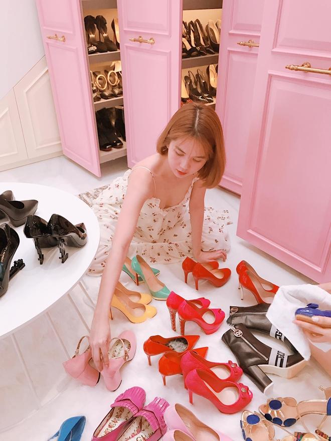 Ngọc Trinh khoe tủ giày hiệu, fan thắc mắc đến hết đời chưa mang hết giày - Ảnh 5.