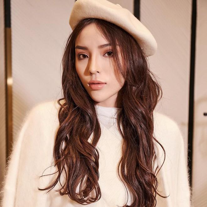 Cả showbiz Việt bây giờ toàn chạy theo phong cách trang điểm mắt đậm môi tều giống Kylie Jenner - Ảnh 9.