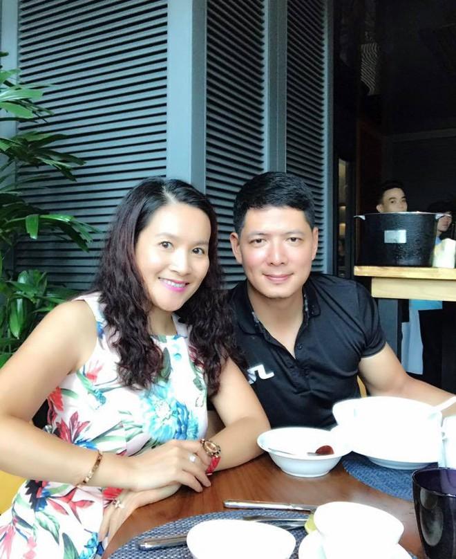 Chân dung vợ đại gia hơn tuổi của Bình Minh: Ngoài xã hội là người đàn bà thép, về nhà là lạt mềm buộc chặt - Ảnh 12.