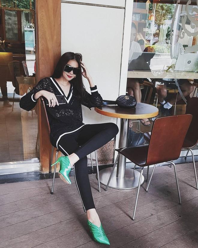 Thu Thủy khoe street style trẻ trung, Kỳ Duyên khác lạ với đôi chân nhìn như dài cả mét - Ảnh 9.
