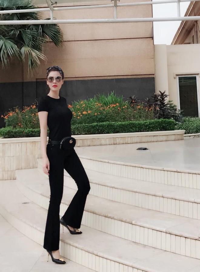 Street style sao Việt: Hoa hậu Thu Thảo diện dép tông giản dị để lộ vóc dáng gầy nhẳng sau khi cưới - Ảnh 16.