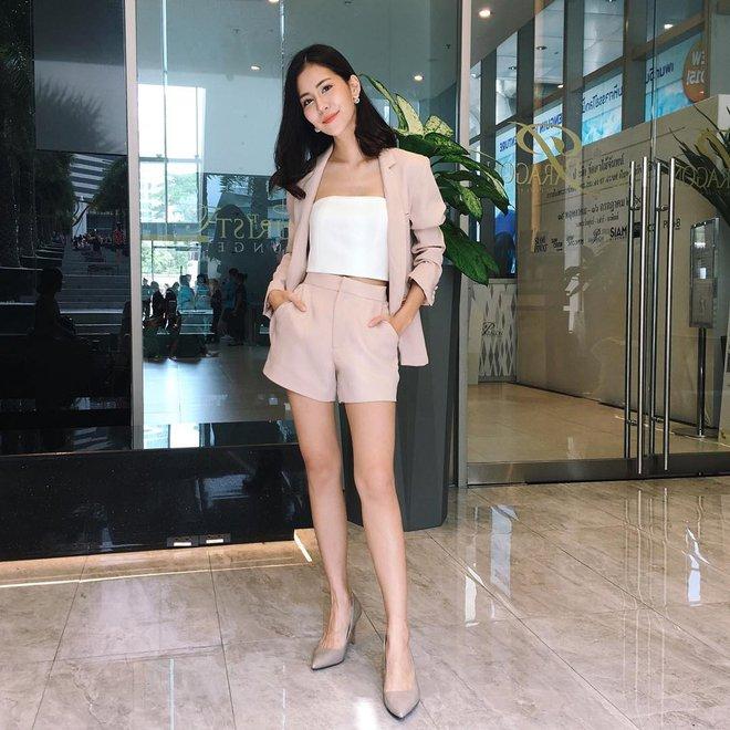 Vóc dáng thấp bé nhưng Song Hye Kyo vẫn luôn mặc đẹp nhờ vào 5 bí kíp này - Ảnh 27.