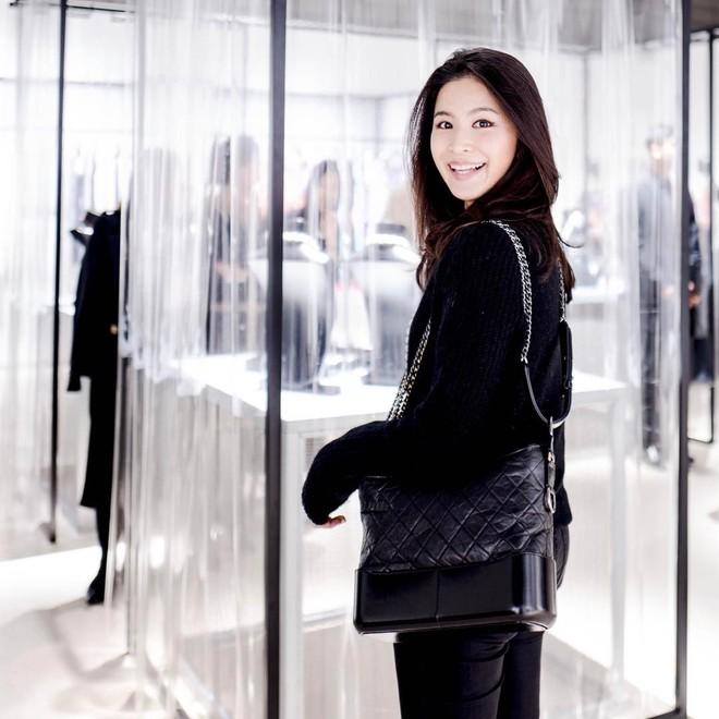 Túi mới của Chanel: Chưa ra mắt được bao lâu đã làm mưa làm gió tủ đồ của loạt sao Hoa ngữ - Ảnh 34.