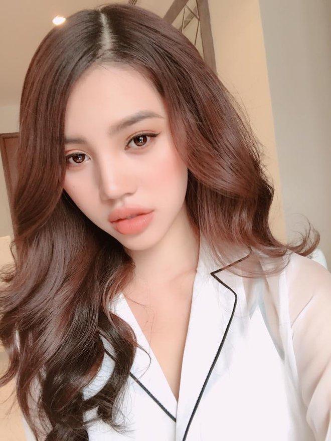 Ngắm cuộc sống sang chảnh, ngập trong đồ hiệu, du lịch xa xỉ của Jolie Nguyễn - hoa hậu hội con nhà giàu Việt Nam - Ảnh 1.
