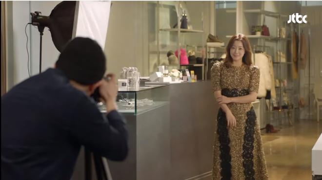 Điều gì ở Kim Hee Sun khiến Kim Sun Ah luôn nhìn cô bằng ánh mắt ngưỡng mộ? - Ảnh 9.