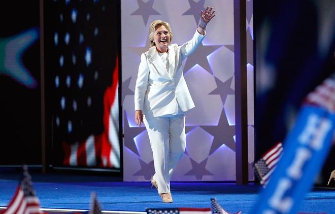 Bà Hillary Clinton đã dành đến 600 tiếng để làm đẹp trong suốt quá trình tranh cử - Ảnh 3.