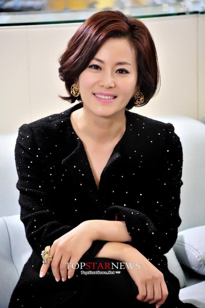Dàn sao Nàng Dae Jang Geum sau 14 năm: Người vai chính viên mãn, kẻ vai phụ lận đận chưa thể tỏa sáng - Ảnh 20.