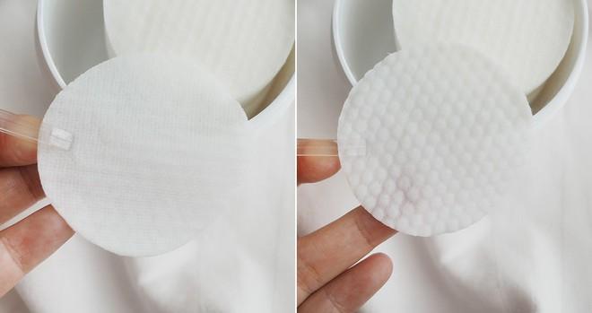 Nhìn thì giống bông tẩy trang, nhưng sản phẩm này lại khiến nhiều quý cô bất ngờ vì tẩy được da chết sạch sâu  - Ảnh 3.