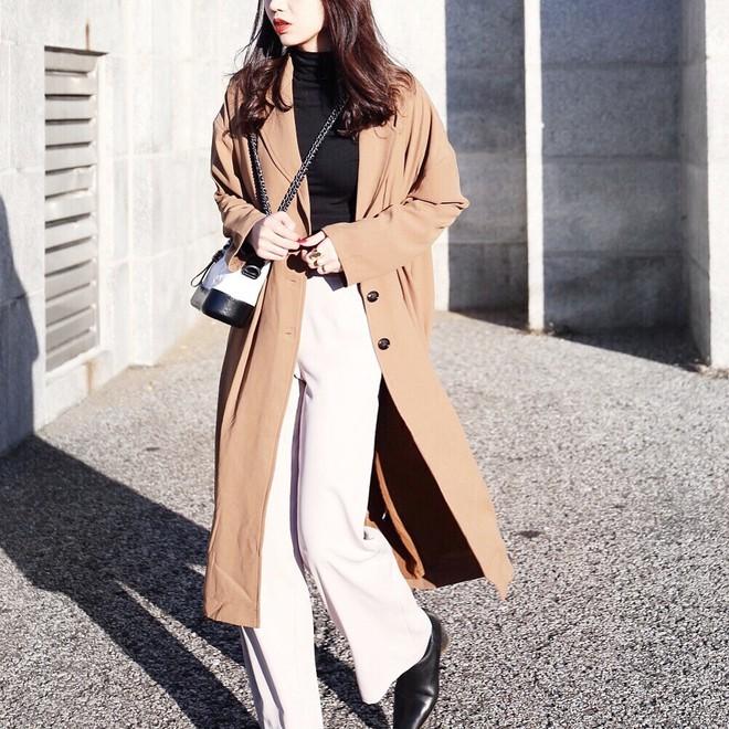 Áo khoác dài + quần ống rộng: Combo mặc kiểu gì cũng đẹp cho mùa đông năm nay - Ảnh 3.