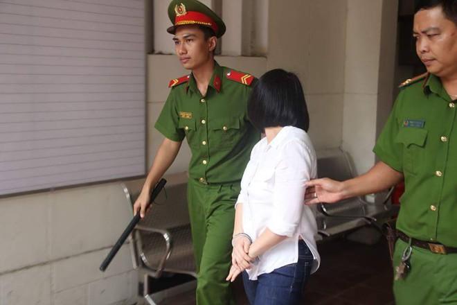 Người mẹ lỡ tay giết chết con riêng vì sợ chồng bạc đãi bị VKS đề nghị 3 - 4 năm tù - Ảnh 3.
