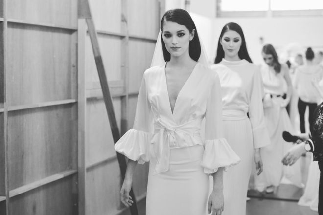 Muốn gây ấn tượng trong ngày trọng đại, các cô dâu đừng bỏ qua 7 mẫu váy này - Ảnh 12.