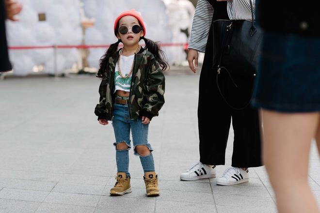 Ai là nhân vật đứng phía sau những nhóc tỳ sành điệu tại Tuần lễ thời trang Seoul - Ảnh 11.